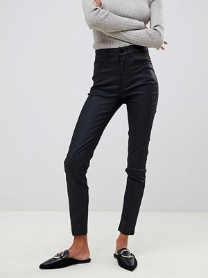 Jdy Jeans med beläggning i en smal passform