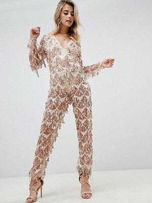 PrettyLittleThing Guldfärgad jumpsuit med paljetter och tofs
