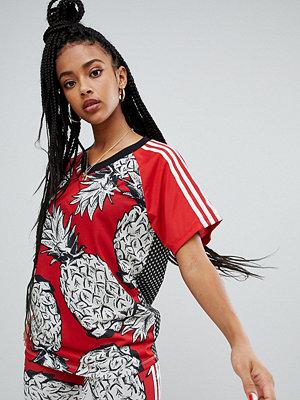 Adidas Originals X Farm Three Stripe Ananasmönstrad t-shirt
