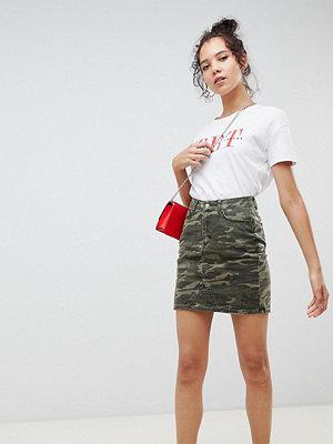 New Look Tall Kamouflagemönstrad jeanskjol Grönt mönster