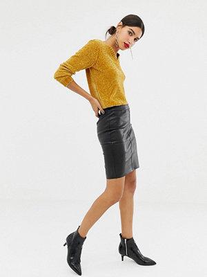 Vero Moda Kjol i skinnimitation