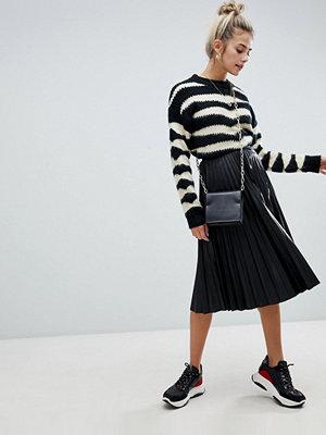 Bershka Plisserad kjol i skinnimitation