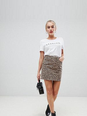 New Look Petite Leopardmönstrad kjol i mom-modell Grått mönster