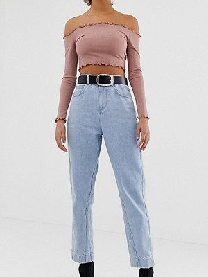 """Collusion Ljusblå jeans i """"mom jeans""""-modell"""