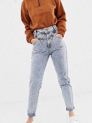 Jeans - Reclaimed Vintage Stentvättade skinny jeans med dekorativ söm Stentvätt