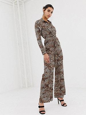 PrettyLittleThing Leopardmönstrad skjortjumpsuit med knut framtill