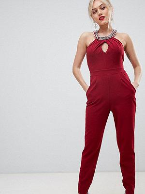 City Goddess Petite Jumpsuit i halterneckmodell Vin