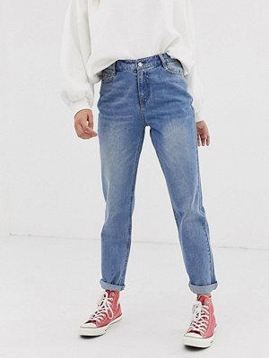 Urban Bliss Mom-jeans Mellanblå