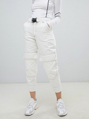 ASOS DESIGN Vintervita jeans med avsmalnande ben