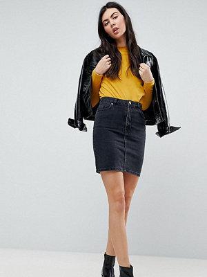 Asos Tall Svart jeanskjol med hög midja med tvättad look Tvättad svart