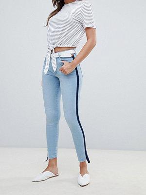 Mango Jeans med sportig rand Jeansblå