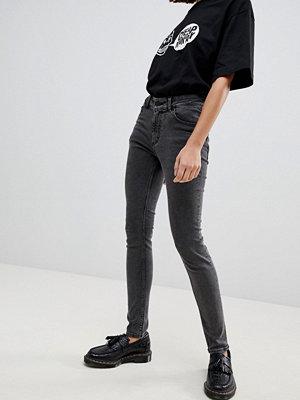 Cheap Monday Medelhöga jeans i smal passform Element grey