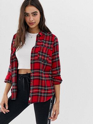 Skjortor - Hollister Rutig boyfriendskjorta i flanell med oversize-passform Red plaid