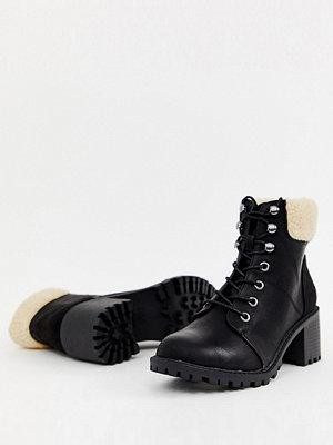 New Look Boots med klack och snörning i ullimitation