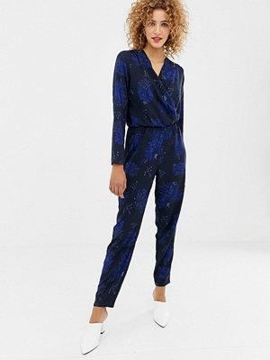 Only Blommig jumpsuit med omlott framtill Marinblå