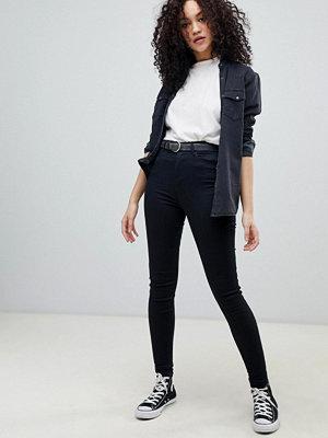 Wrangler Body Bespoke Höga skinny jeans Mjuk svart