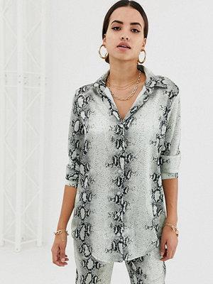 Missguided Grå ormmönstrad kjol i satin Gräddvit