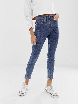 Levi's Extra Skinny jeans i ankellängd med råskuren fåll Just for kicks