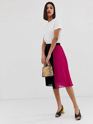Vero Moda Plisserad midikjol med färgblock