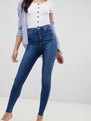 Asos Tall Ridley Mörka stentvättade skinny jeans med hög midja och råskuren fåll Stentvätt