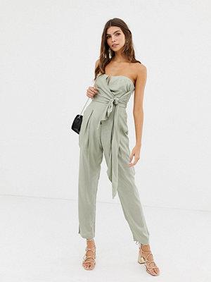 Glamorous Figursydd jumpsuit utan axelband Salviagrön