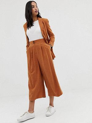 ASOS DESIGN Culotte-byxor i linnetyg Sadelbrun