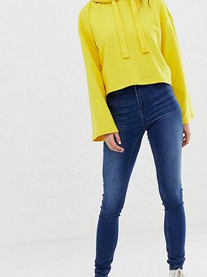 Noisy May Tall Skinny jeans med hög midja Mellanblå denim