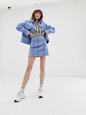 Monki Ljusblå a-linjeformad minikjol i rutigt bouclétyg