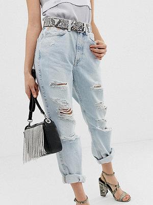 "River Island Petite Ljusa jeans i ""mom jeans""-modell"