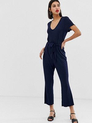 Vero Moda Ribbad jumpsuit med omlott framtill