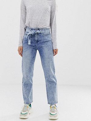 ASOS DESIGN Farleigh Stentvättade jeans med raka ben
