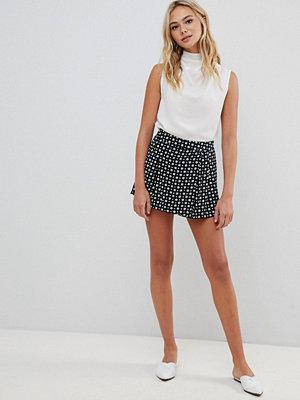 Urban Bliss Prickiga kjolshorts