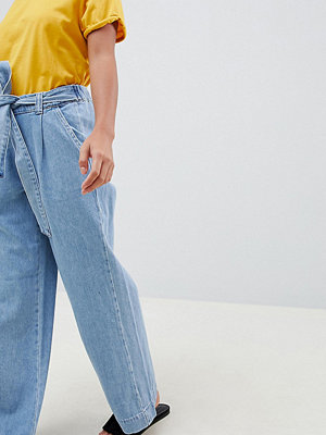 Snygga jeans med vida ben online - Modegallerian bc81da422d2df