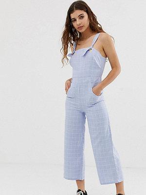 Glamorous Rutig jumpsuit med knytning på axlarna i chambray-tyg Ljus tvätt