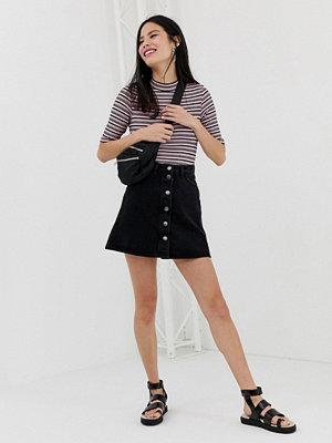 Monki Svart a-linjeformad kjol med knappar