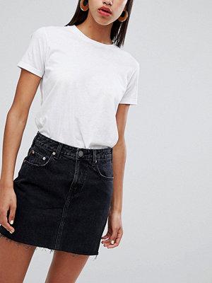 ASOS DESIGN Svart denim pelmet-kjol Tvättad svart