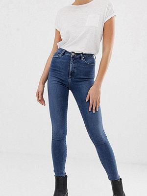 Asos Tall Ridley Mellanblå jeans med hög midja och smal passform Mellanblå