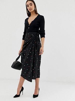 Fashion Union Midikjol med flerfärgade prickar och knytband i midjan Multi dot