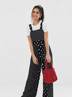 Miss Selfridge Petite Prickig jumpsuit i förklädesmodell Blkwht
