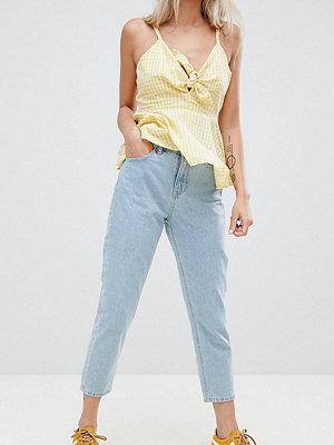 "Vero Moda Petite Stentvättade jeans i ""mom jeans""-modell"
