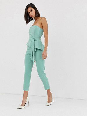 Jumpsuits & playsuits - Lavish Alice Origami grön jumpsuit i bandeau-modell med veck Salviagrön