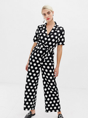 Selected Prickig jumpsuit Frosa Svart aop