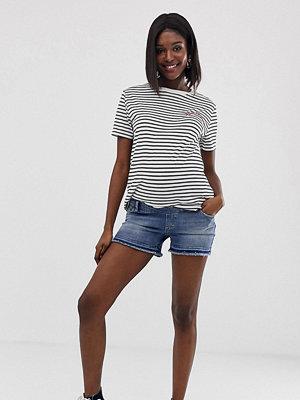 Shorts & kortbyxor - Gebe Maternity GeBe Mammakläder Jeans short med låg kant Mellanblå