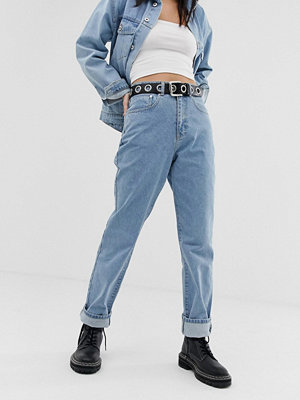 "Ragged Jeans Mellanblå jeans i ""mom jeans""-modell"