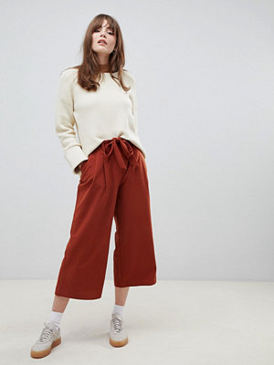 ASOS DESIGN Culotte-byxor med knytning i midjan Rostfärgat