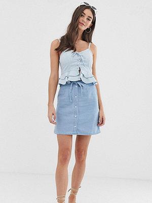 Asos Tall Lång Blå jeanskjol med knappar i skinny passform med bälte Ljusblå tvätt