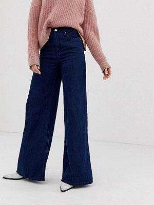Free People Wide leg jeans med extrs hög midja Mörk denim