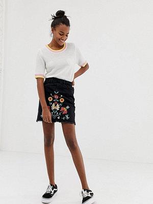 Brave Soul Minikjol med broderade detaljer