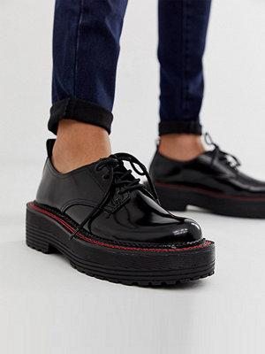 Bershka Svarta skor med snörning och tjock sula
