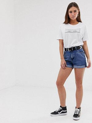 "Bershka Blå shorts i ""mom""-modell"